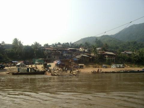 Frontera Laos