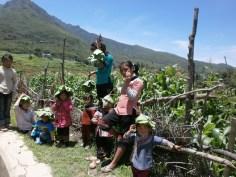 Yuanyang - Niños jugando por los arrozales