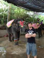 Xishuangbanna - El elefante y yo posando para la foto
