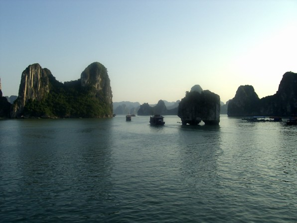 Halong Bay Mountains - Halong Bay, 2-day tour: the good and the bad