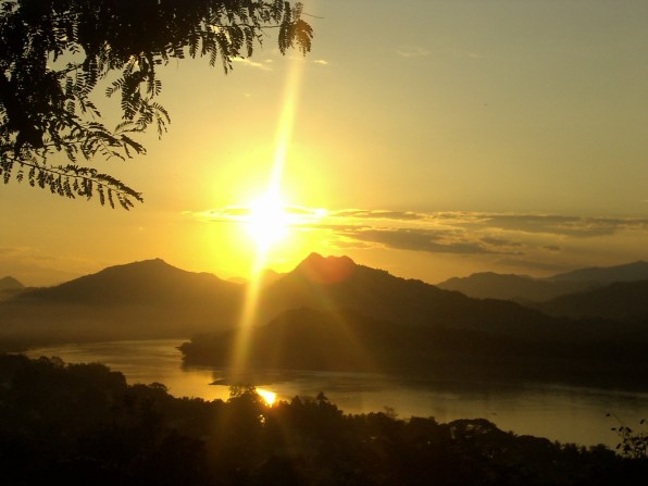 Luang Prabang Sunset in the Mekong - The best temples in Luang Prabang
