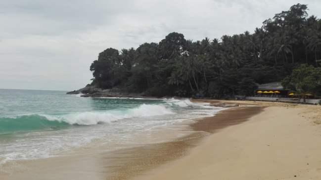 Thailand Phuket Surin Beach 500x281 - Beaches of Phuket, where to go and what to see?