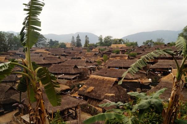 DSC05596 jpg 1 500x333 - Wengding, la última aldea tribal de China