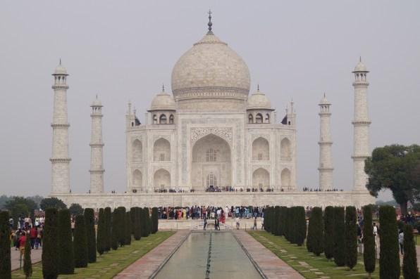 Mausoleo Taj Mahal 01 500x333 - The story of Taj Mahal: India, love and symmetry