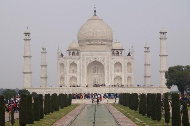 Mausoleo Taj Mahal 01 500x333 - La curiosa historia del Taj Mahal: amor, simetría y sacrificio