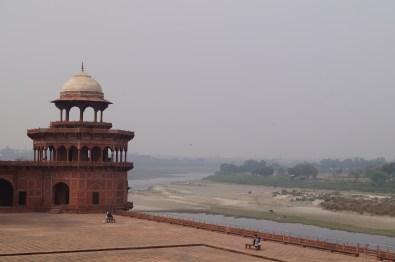 Taj Mahal Río Yamuna - La curiosa historia del Taj Mahal: amor, simetría y sacrificio