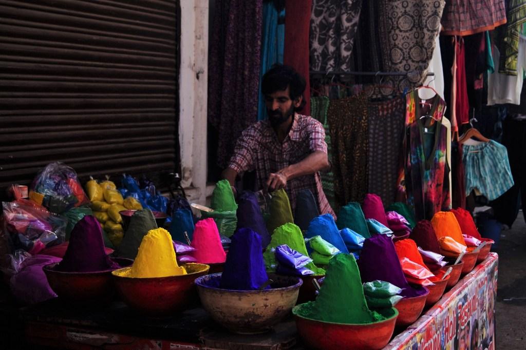 Pushkar Preparando el Holi Festival 1024x682 - Visiting Pushkar; the 5 best things to do and see