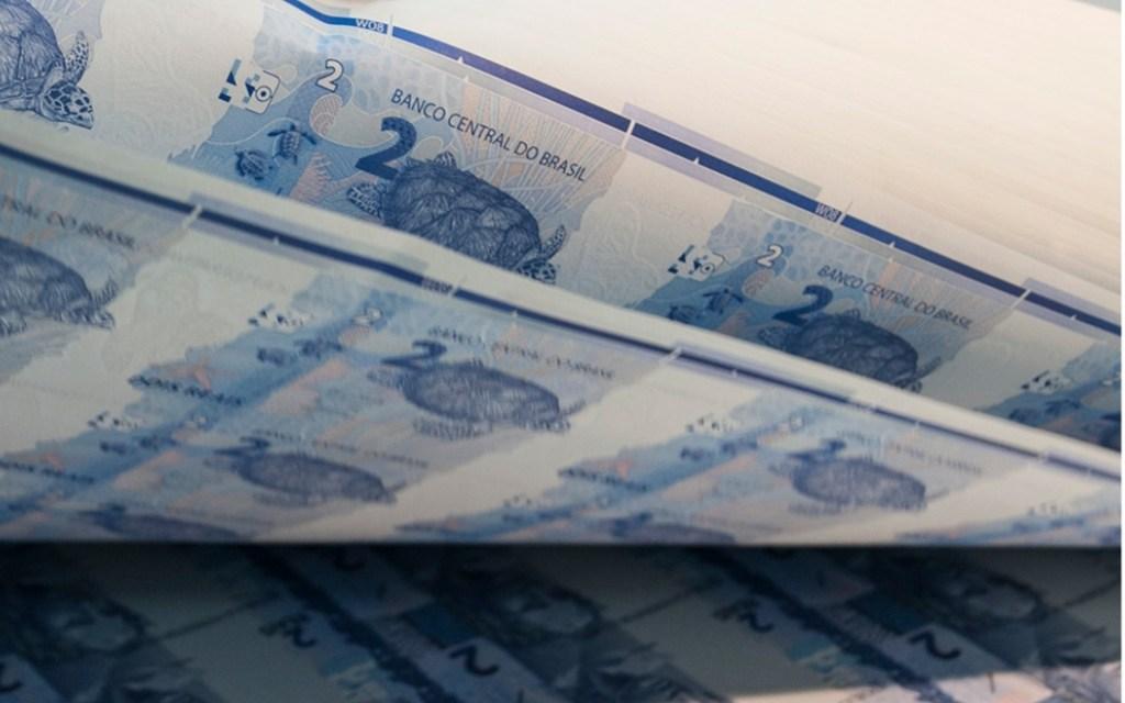 Por que o Brasil passou a imprimir dinheiro no Exterior
