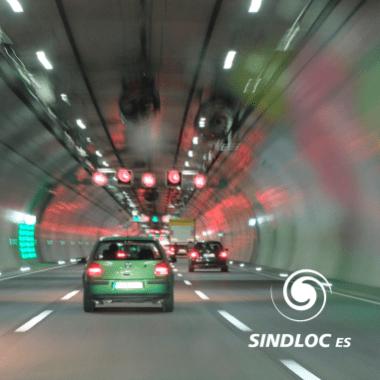 Mantenha uma distância segura do veículo à frente e tome cuidado ao realizar ultrapassagens.