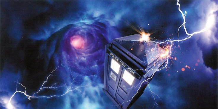 The-TARDIS-travelling-in-time-in-Doctor-Who