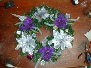 weihnachtlicher Kranz mit Beleuchtung in Lila Weiss 50cm Ø
