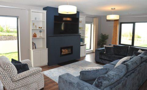 Living room design with Impression blue rug