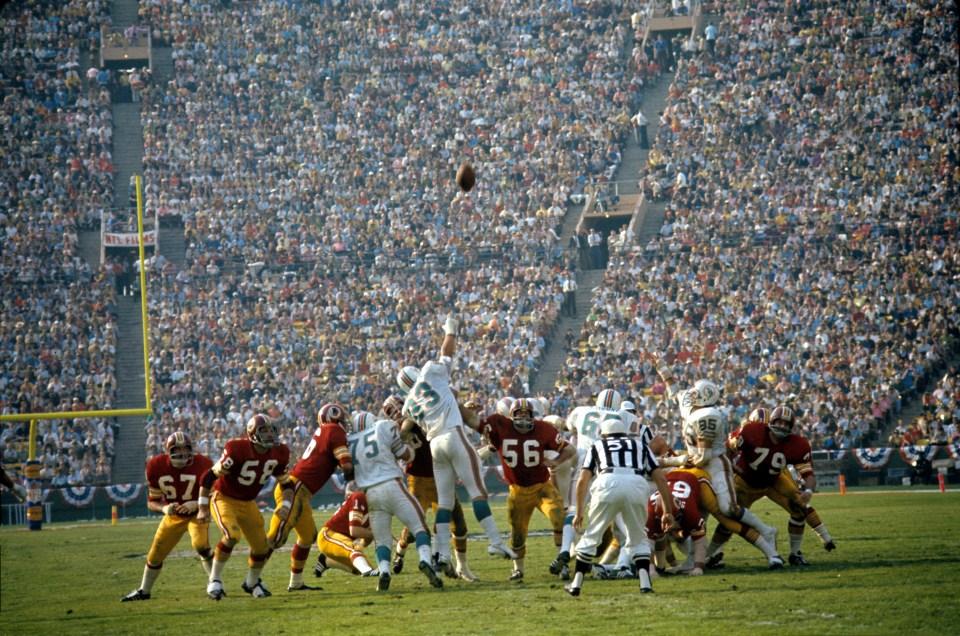 Field Goal Try, Super Bowl VII   Neil Leifer