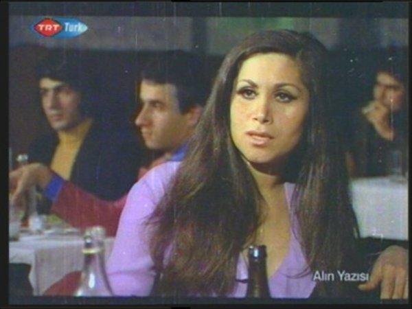 film-karelerinde-yesilcam.sinematikyesilcam.com233-Ülkü-Ülker