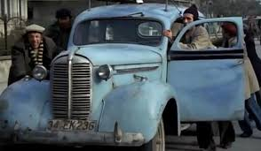 mavi-boncuktaki-araba