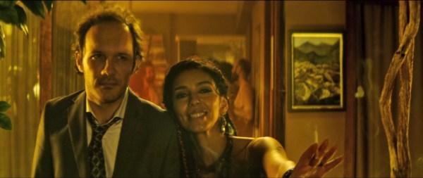 Film incelemesi: Ramin Matin'in yönettiği Son Çıkış, idealize edilmiş kırsal yaşam hasretini merkeze alan bir kara komedi.