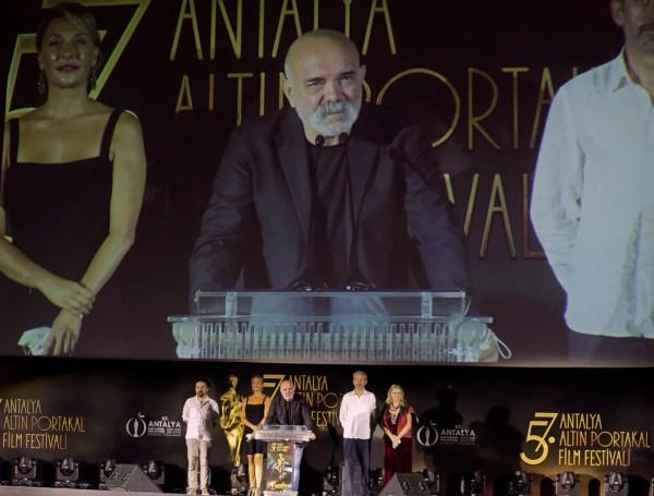 Antalya Büyükşehir Belediyesi'nin ev sahipliğinde Kültür ve Turizm Bakanlığı katkılarıyla düzenlenen 57. Antalya Altın Portakal Film Festivali, açılış töreniyle başladı.