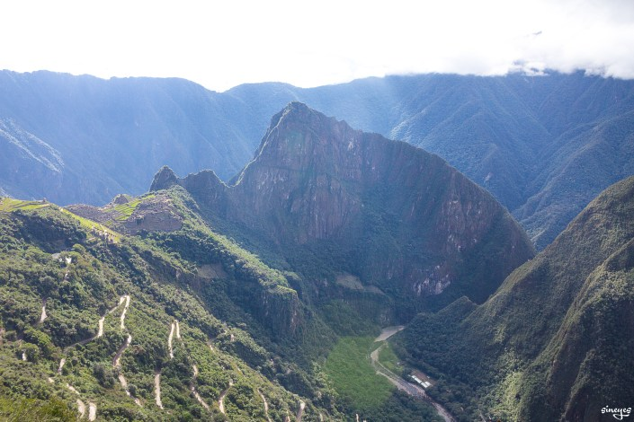 Unusual perspective of Machu Picchu - Pérou