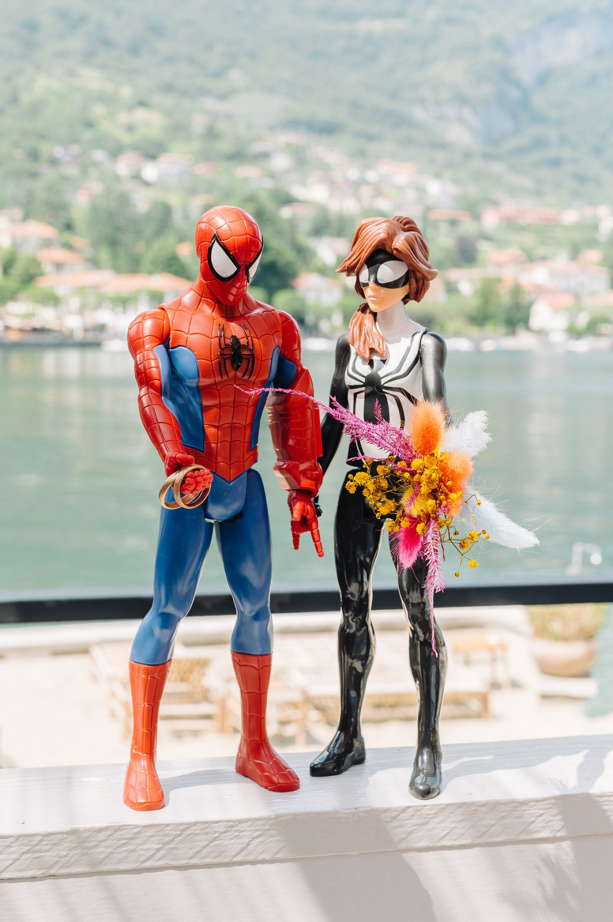 Spiderman and spiderwoman are gettin married on Como lake