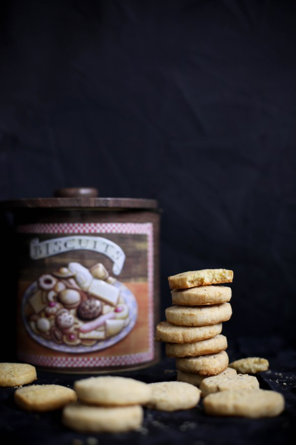 Sinfully Spicy :Jeera Biscuits 001(Buttery Cumin Cookies)
