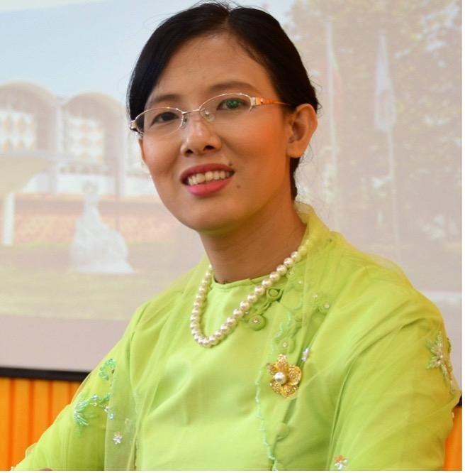 Headshot of Dr Myo Thida