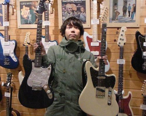片岡健太のメガネとギターはどこのブランド?本当は伊達眼鏡!?