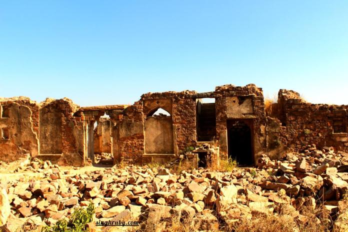Ruins of Bhangarh Fort