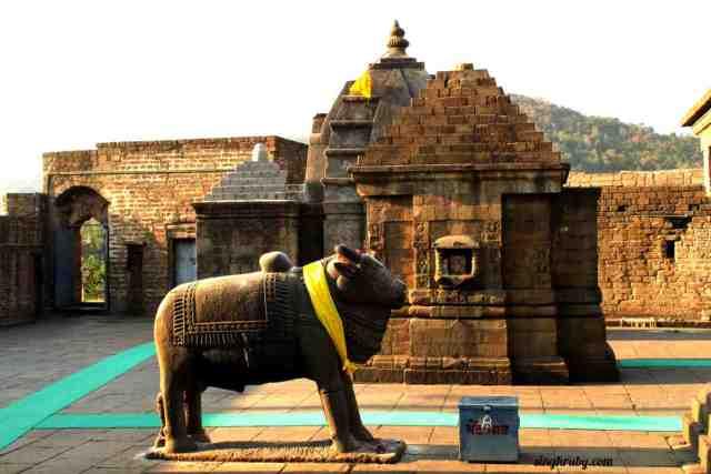 nandi-at-baijnath-temple