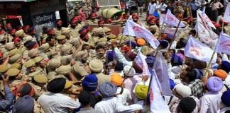 punjab-police-clash-public