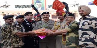 diwalisoldiers-india-pakistan-wagah-border