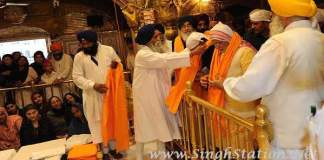 modi-visits-golden-temple-amritsar