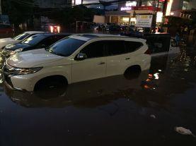 Jakarta Kebanjiran, di Riau Api Ngamuk 2