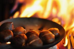 Chestnuts_Roasting_On_An_Open_Fire