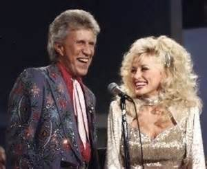 Dolly Parton wrote the song as her partnership with Porter Wagoner ended