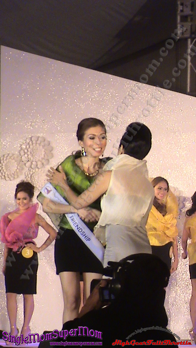 Mrs Philippiness Globe 2013 Mrs. Friendship