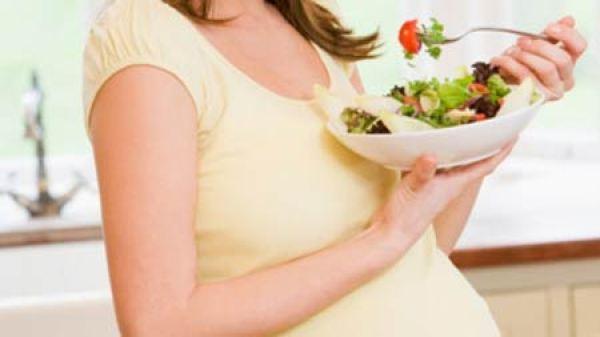 Chế độ ăn cho bà bầu bị cao huyết áp