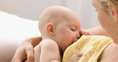 Nứt cổ gà - bệnh thường gặp khi cho con bú