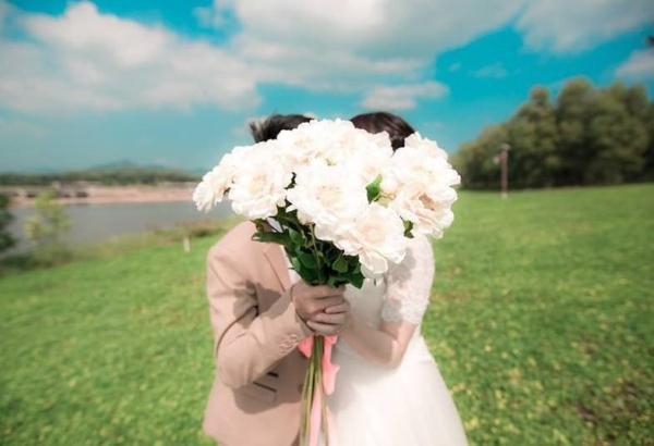 Phụ nữ lấy chồng như đánh một canh bạc, xinh đẹp giỏi giang cũng không bằng may mắn