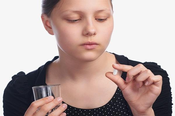 Uống thuốc trong thời kỳ mẹ cho con bú