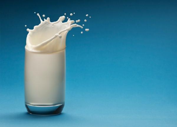 Sữa công thức, sữa bò, sữa hạt – Loại sữa nào phù hợp cho trẻ?