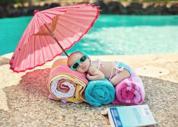 Những sai lầm khi tắm nắng cho trẻ cần tránh