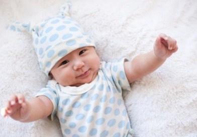 Trẻ sơ sinh khó ngủ và không chịu ngủ là do đâu?