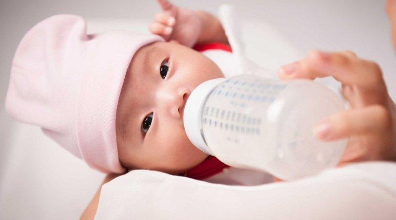 5 loại bình sữa tốt nhất cho bé hiện nay mẹ nên tham khảo