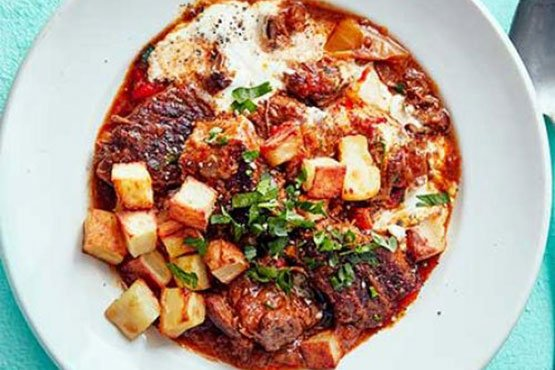 Best comfort food recipes . Slow cooker beef goulash
