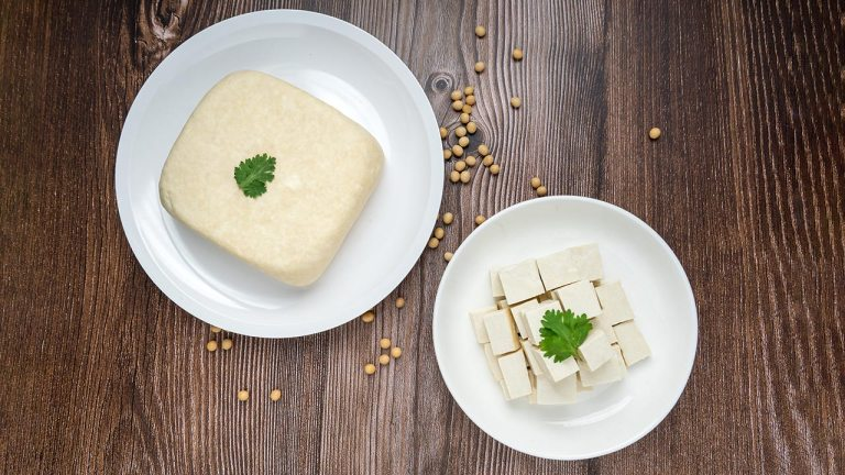 Making Tofu Just as You Would Buy From the Store