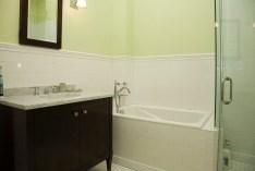 1111 Bloomfield bath