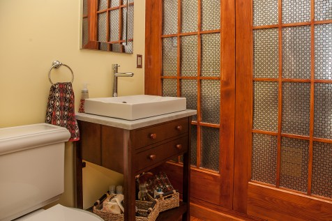1131 Garden St. - half bathroom