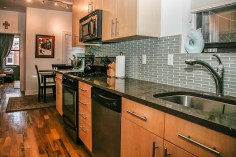717 Willow kitchen-