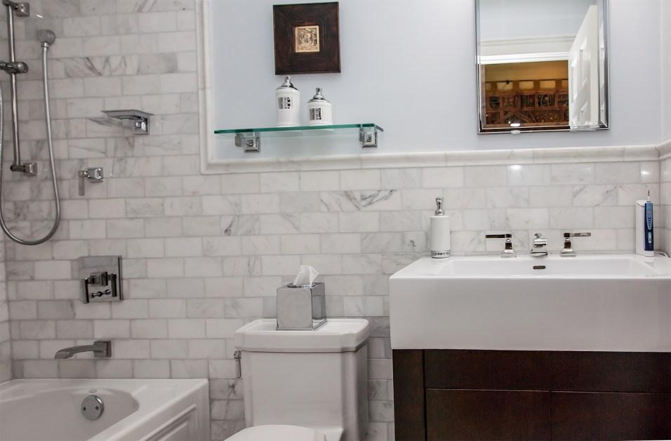1022 Hudson St 1 - bath