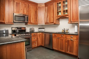 1022 Hudson St 1 - kitchen